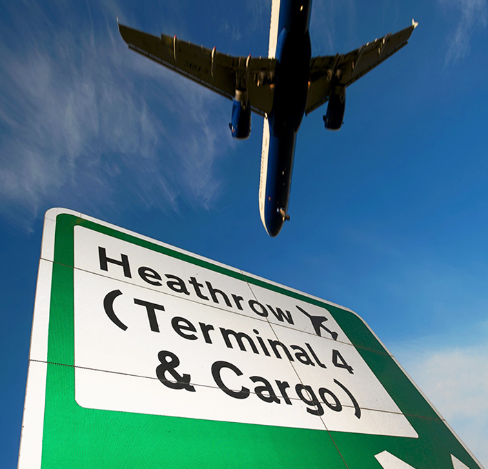 "International Airlines Group<br>New Premia Cargo Facility Heathrow<br><font size=""3.5"">17,000 m²</font>"